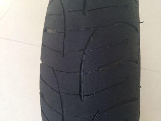 Pneu Michelin Pilot Road 4 dianteiro - Foto 2