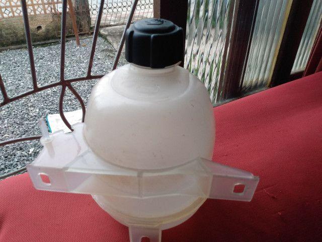 Reservatório de água radiador Clio sedan RN  2001/02 - Foto 2