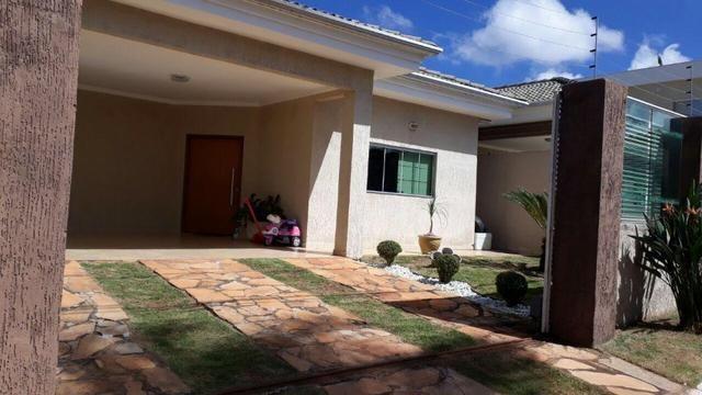 Casa de Alto Padrão na rua 08 em Vicente Pires!