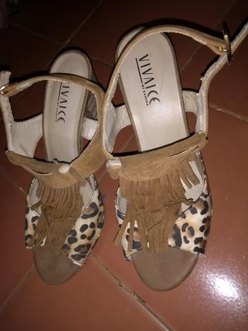 Sandália de franja