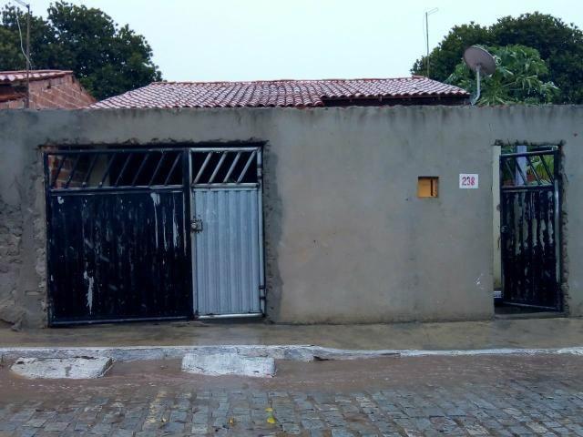 Vendo uma casa na cidade de Inhambupe ba no bairro da amarela tem conversa no preço!