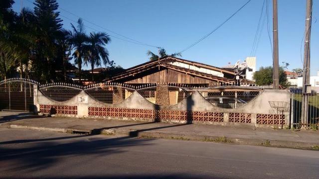 Vende-se terreno 600 m2- otimo para construção de prédio- Costa e Silva- Joinville