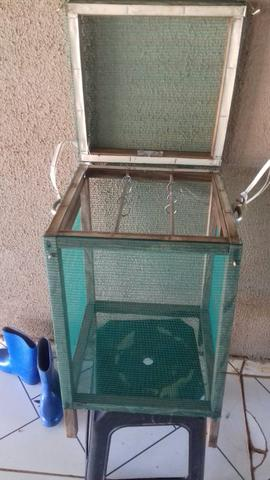 Caixa para secar peixe ou carne