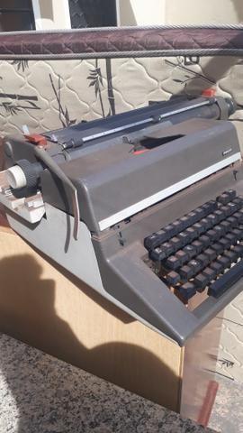 Máquina de escrever - Foto 6