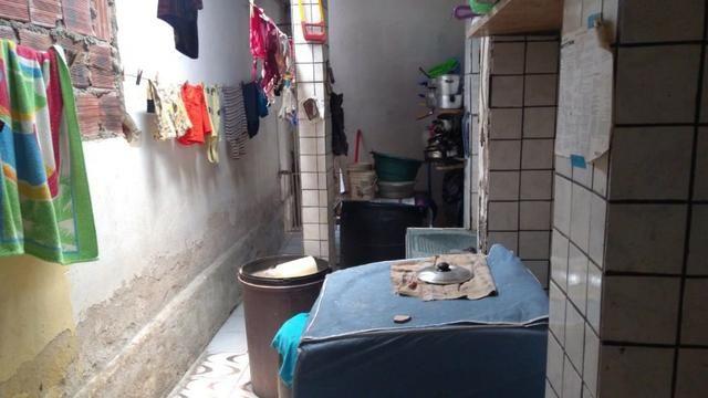 Vende-se um Prédio com 3 Casas - Foto 17