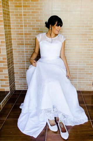 386174310d608 Vestido de Noiva revestido de renda fina