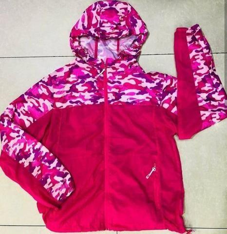 Jaqueta Corta Vento Sacolinha feminina Nike - Roupas e calçados ... 6499b812e6d08