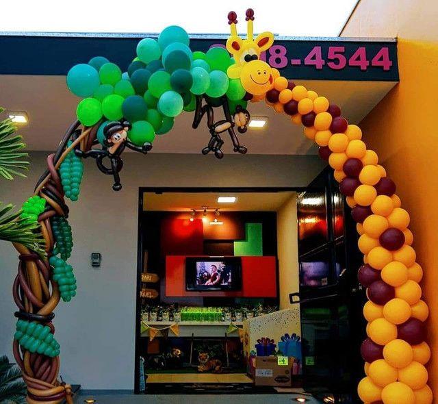 Arco de balões com esculturas temático - Foto 4