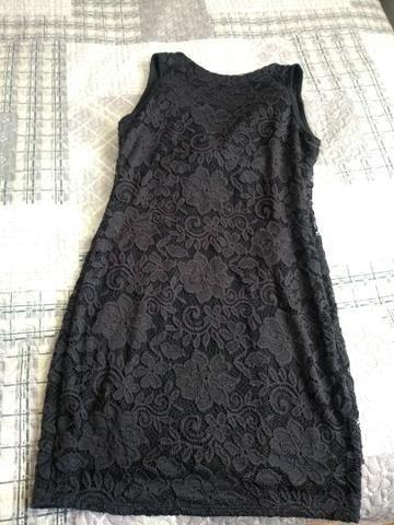 Vestido preto com renda e decote lindo - Foto 3