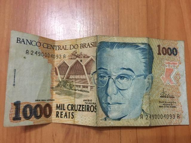 Nota / Cédula de 1000 Cruzeiros Reais de 1993 Flor de Estampa dinheiro bem conservado
