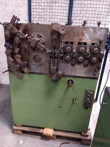 Máquina para produzir molas Carjac MC4 arame de 1,5 a 5,0 mm