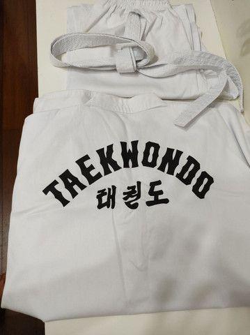 Kimono Dobô Taekwndoo  Olímpico Oficial Tamanho A4 com faixa  - Foto 4