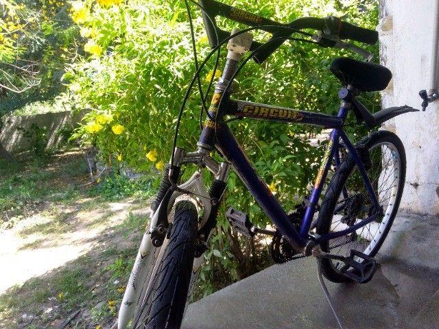 Bicicleta aro 29 com marchas - Foto 6