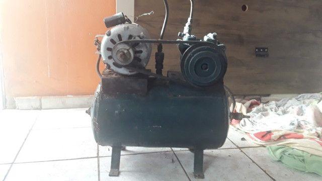 Vende-se compressor usado