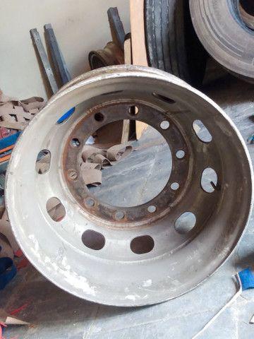 Rodas para caminhões 275/295 a disco e raiadas - Foto 3