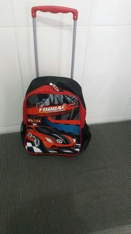 Vendo uma mochila de criança , usada 3 veses