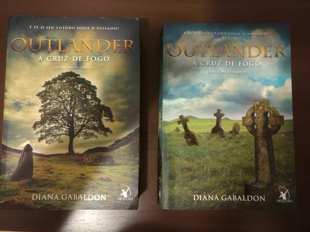 Outlander - A Cruz de fogo ( dois livros)