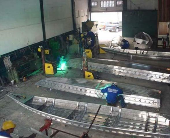 Fabricamos e reformamos barcos em alumínio