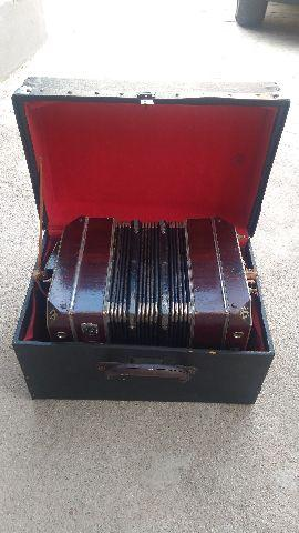 Concertina relíquia de 1949
