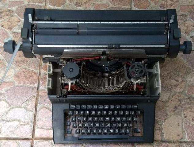 Maq de escrever Facit