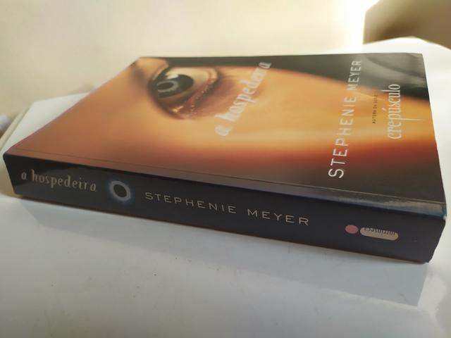 Livro A Hospedeira - Foto 4