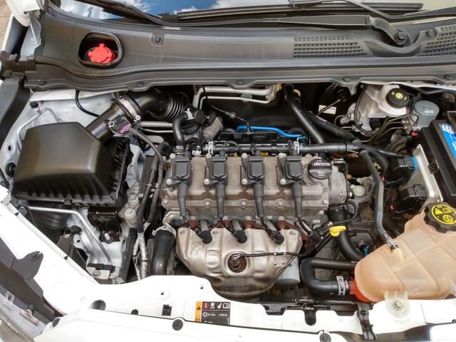 Chevrolet Onix - Foto 4