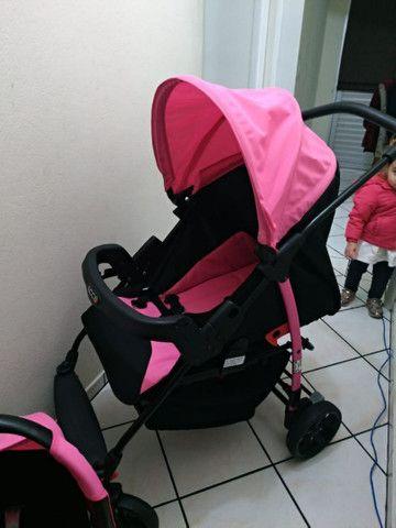 Vendo Carrinho + Bebê Conforto com base para carro Burigotto - Foto 3
