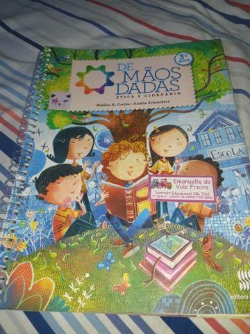 Livro De mãos dadas 3 ano