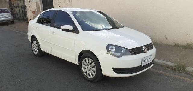Polo Sedan 2011/12 - Foto 2