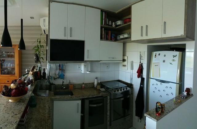 Cobertura Duplex Decorado com acesso exclusivo para o Rio em Buraquinho R$ 490.000,00 - Foto 11