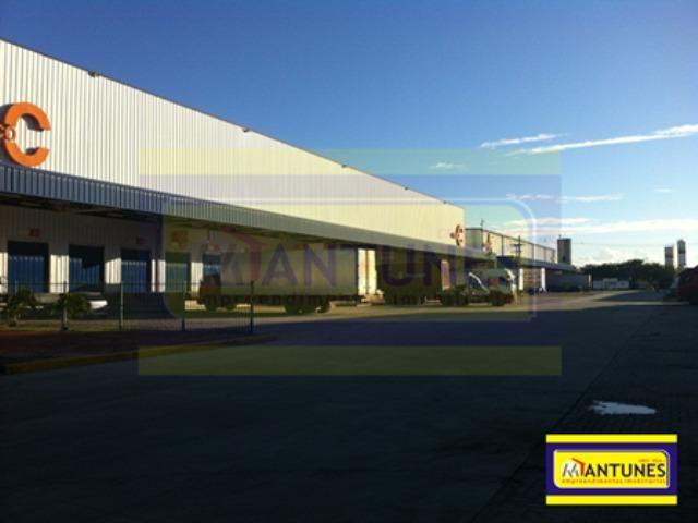 GA-0383 - Alugue galpão em condomínio com 927 m² Prazeres, possui 04 docas (plataforma)