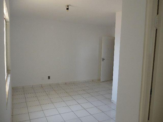 Apartamento Condomínio Jardim Vitória 2º Andar - Foto 6