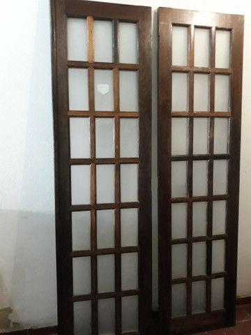 Porta de madeira ( CANELÃO )