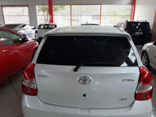 Toyota Etios HB 1.3 aut  - Foto 3