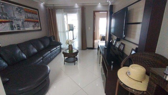 Apartamento alto padrão 3 dormitórios suítes frente mar Campo da Aviação Praia Grande - Foto 3
