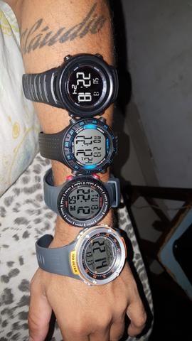Vendo vários relógios. Originais e a prova de água