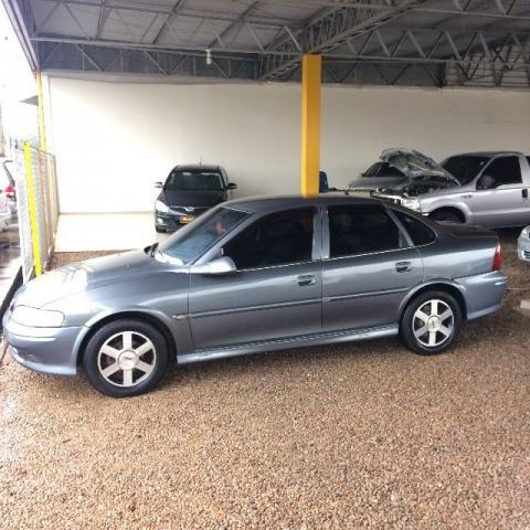 Gm - Chevrolet Vectra gls 2.2 2000