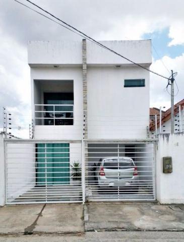 Duplex no Catolé, 03 Quartos (sendo 01 suíte)
