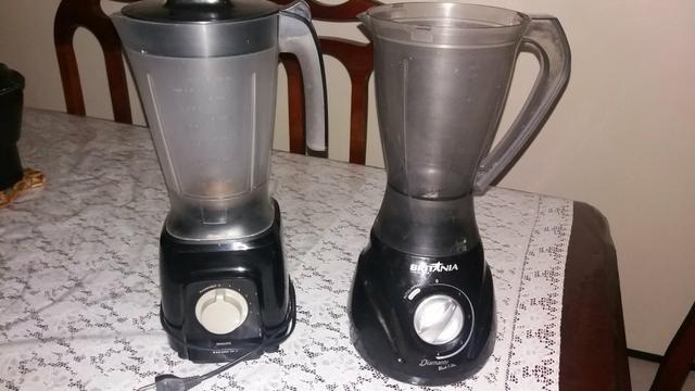 Dois liquidificadores