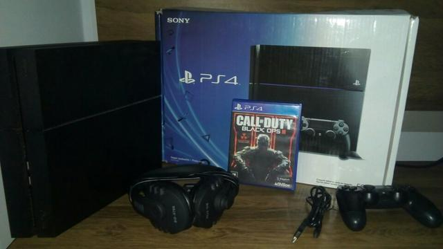 Vendo ps4 semi novo