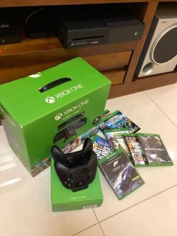 Xbox One + Kinect + 2 Controles Wi-Fi + 2 Baterias e Carregador + Jogos