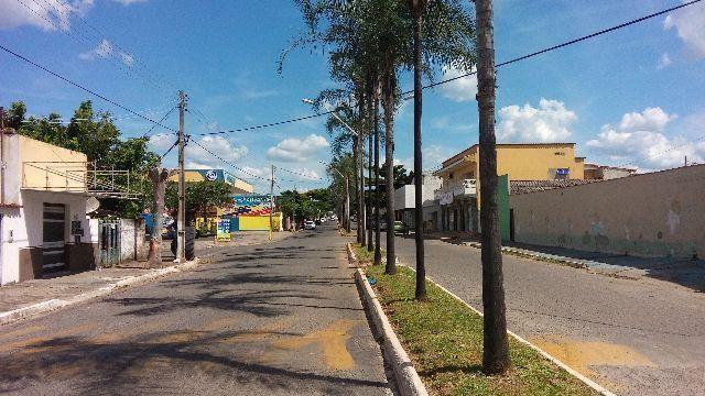 Casa no setor itaja avenida do Paulinho moto peças comercial