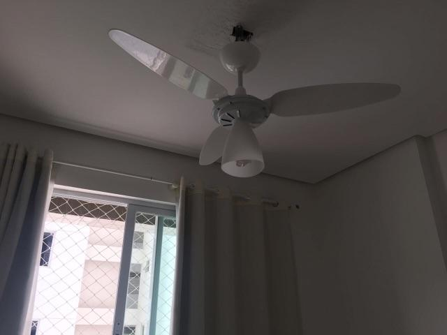 Ventilador de teto branco