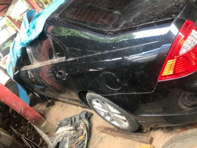 Vendo ou troco carro batido - Foto 3