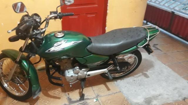 Vendo Moto Titan Honda 125 toda top p sair andando sem trabalho nenhum - Foto 4
