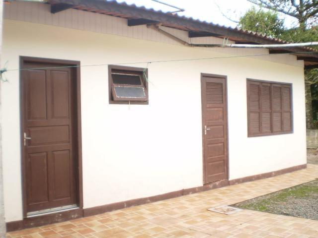 Casa em itapoá SC av. brasil 50m da praia para 8 pessoas - Foto 4