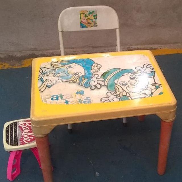 Vendo Mesa c/ cadeirinha - Foto 3