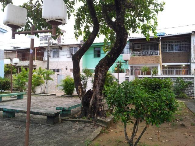 Duplex em casa Caiada na Av. Carlos de Lima Cavalcante - Foto 2