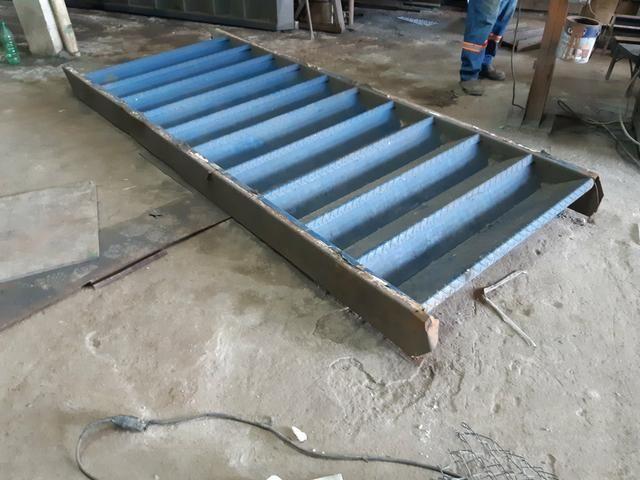 Escada metálica usada - Foto 4