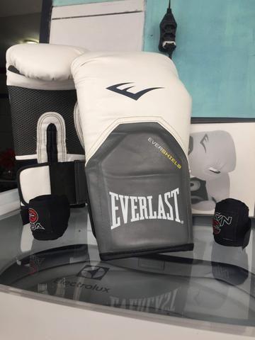 Luvas de Muay thai Everlast + bandagem